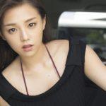 韓国男性の心を鷲づかみ!!グラドル篠崎愛の瞬殺写真